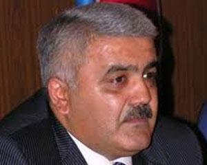<b>Rövnəq Abdullayev camaatın evini belə yıxır- <font color=red>Video</b></font>