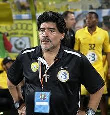 """Maradona: """"Messi böyük futbolçudur"""""""