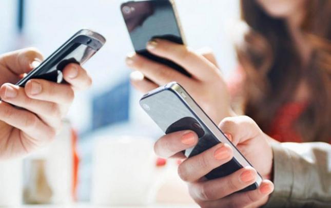 Mobil telefonlar bahalaşıb