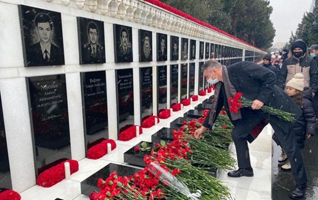 Ukraynalı səfir 20 Yanvar qurbanlarını yad etdi