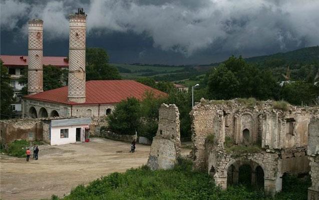 Azərbaycan erməni barəsində həbs qərarı verdi
