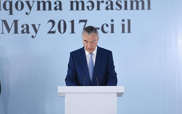 """""""Prezidentlə sizin xidmətiniz məmurlar üçün ən yaxşı nümunədir"""""""