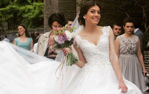 Azərbaycan komandasının futbolçusu bu qızla evləndi