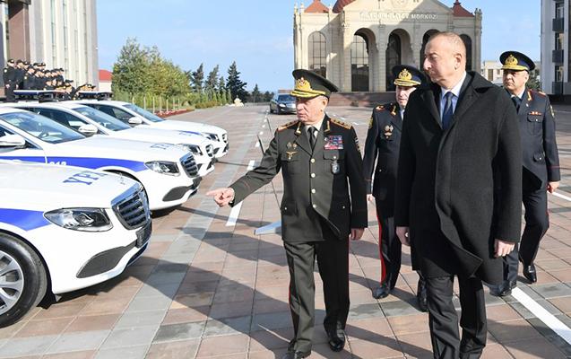 Prezident yol polislərinə verilən maşınlara baxdı