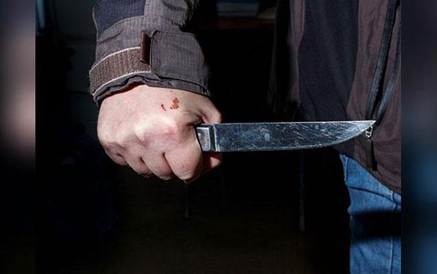 Xalası oğlunu bıçaqlayaraq öldürdü