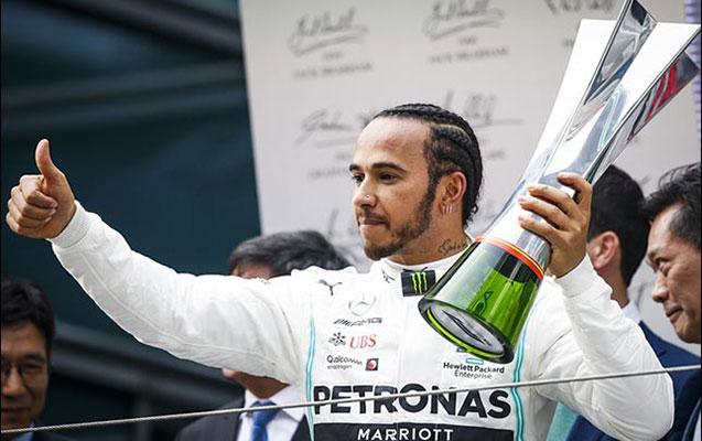 Luis Hamilton Formula 1 üzrə 1000-ci Qran-Prinin qalibi oldu