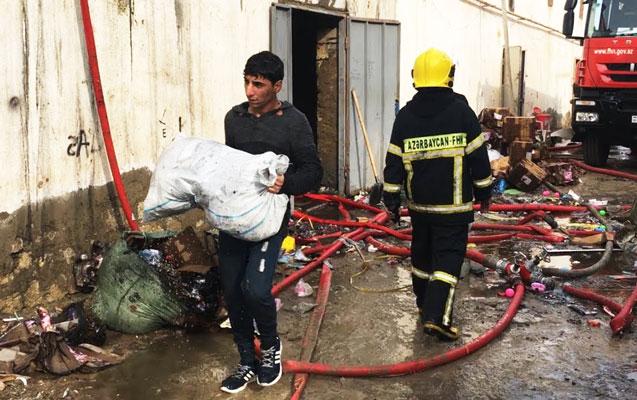 Şəmkirdə 464 m² sahədə kafe-mağazalar yandı