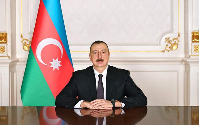 Prezident Mayıl Əhmədovu təltif etdi
