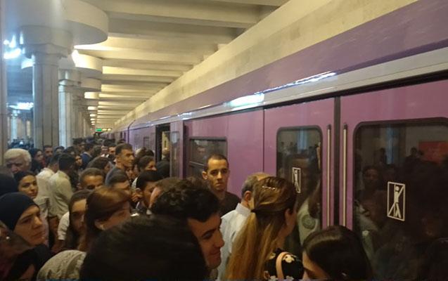 Busəhərki metro sıxlığının səbəbi açıqlandı