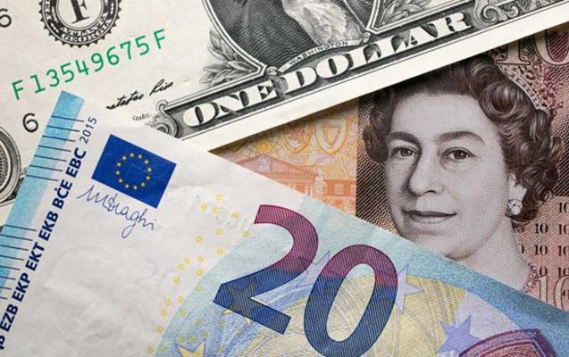 Dollar Ukraynada ucuzlaşmaqda davam edir