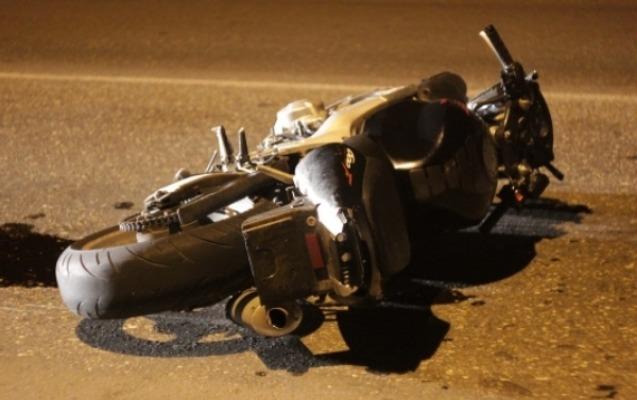 """Motosikletin sürücüsü öldü, """"JEEP""""i sürən qaçdı"""