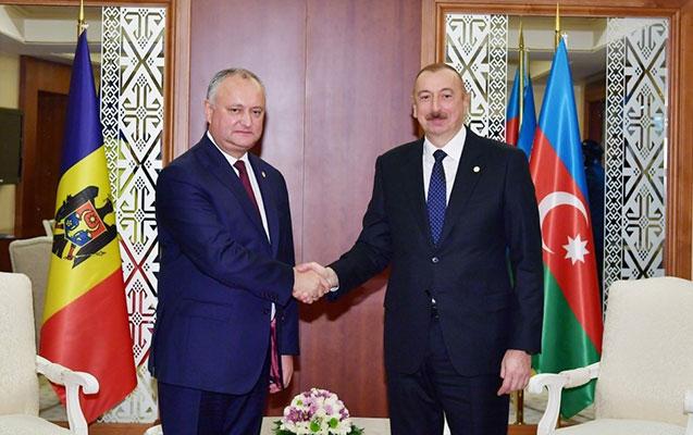 Prezident İqor Dodonla görüşdü