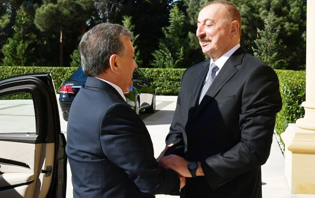 Əliyev Şavkat Mirziyoyevlə görüşdü