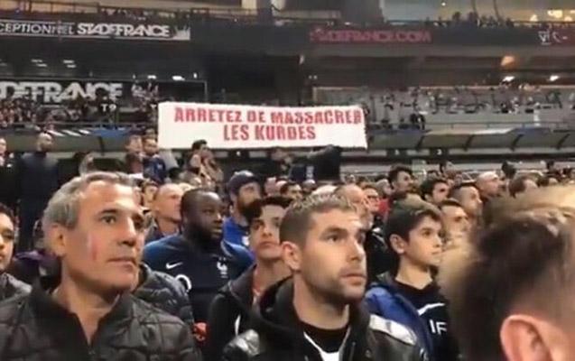 Fransa – Türkiyə oyununda qalmaqallı pankart