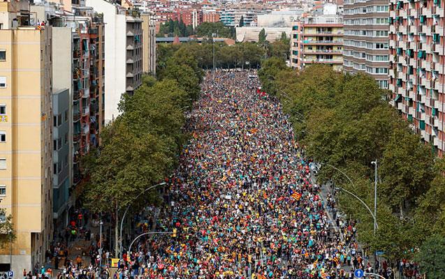 Kataloniyada kütləvi tətillər başladı