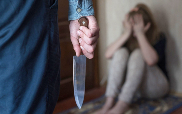 Sumqayıtda kişi baldızını bıçaqladı
