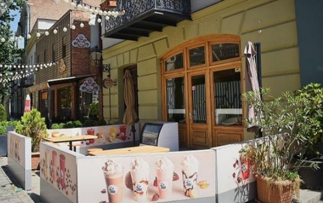 Gürcüstanda restoranlar açıldı