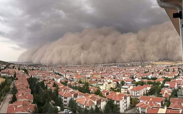 Ankarada qum fırtınası