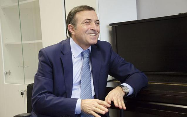 Prezident Mənsum İbrahimovu təltif etdi