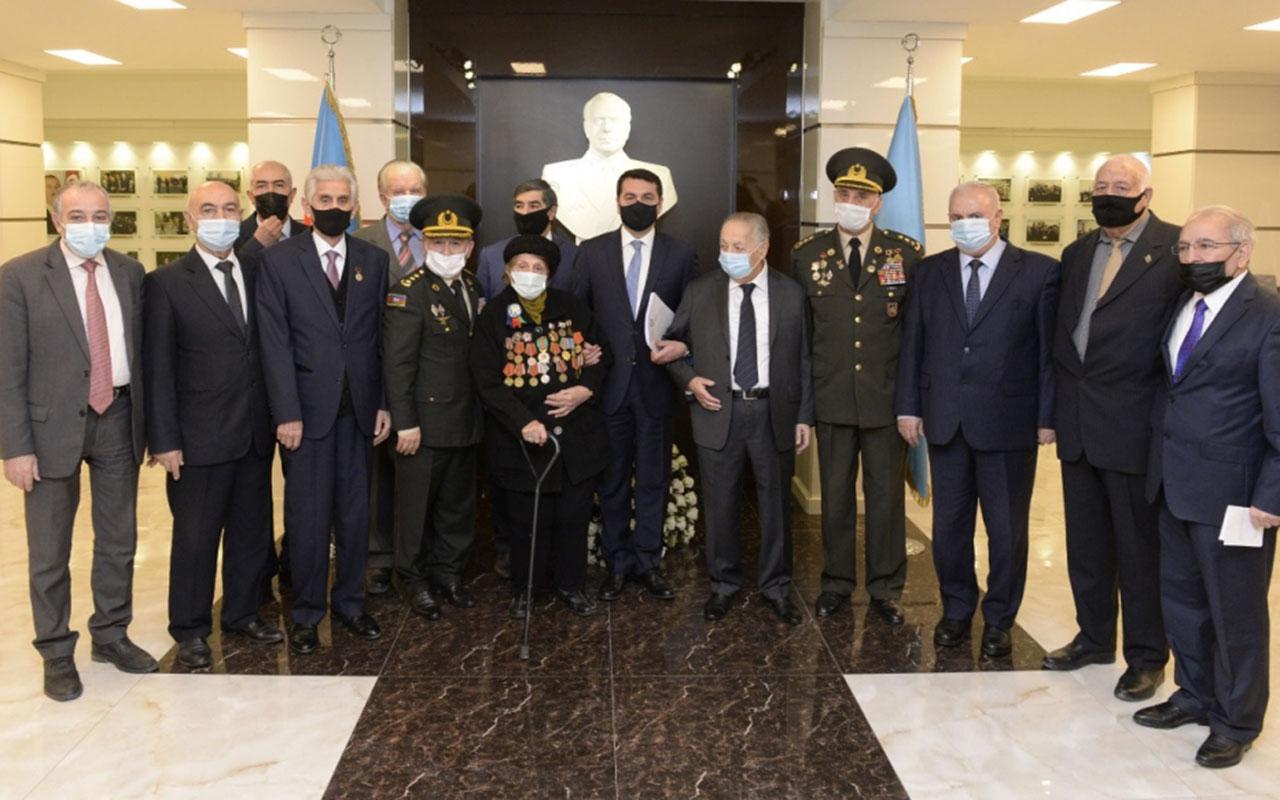 Hikmət Hacıyev Veteranlar Təşkilatının iclasında iştirak edib