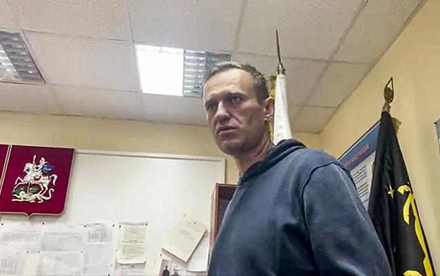 Navalnıya 30 sutka həbs verildi