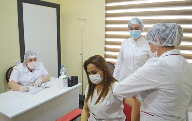 Azərbaycanda koronavirusa qarşı peyvənd olunanların say açıqlandı