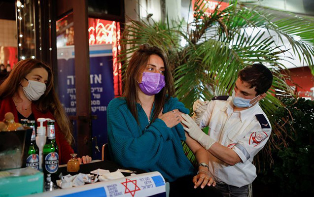 Kütləvi vaksinasiyadan sonra İsraildə həyat normallaşır