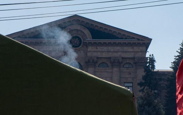 Ermənistanda müxalifətin mitinqi başa çatıb