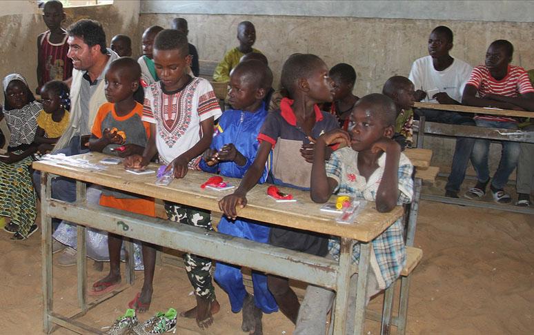 UNICEF bir ildir təhsil ala bilməyən uşaqların sayını açıqladı