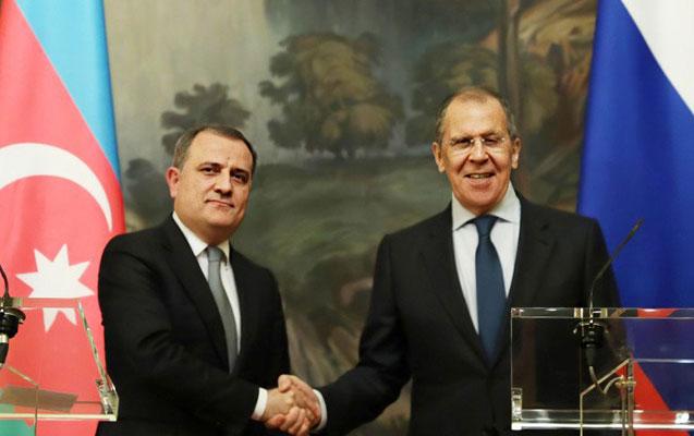 Ceyhun Bayramov Moskvada Lavrovla görüşdü