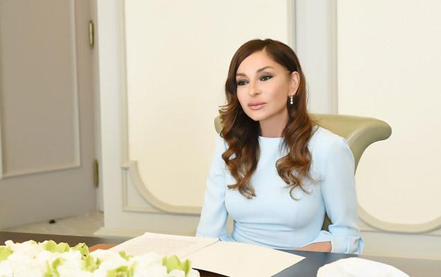 """Mehriban Əliyeva """"Xarıbülbül"""" festivalından görüntü paylaşdı"""