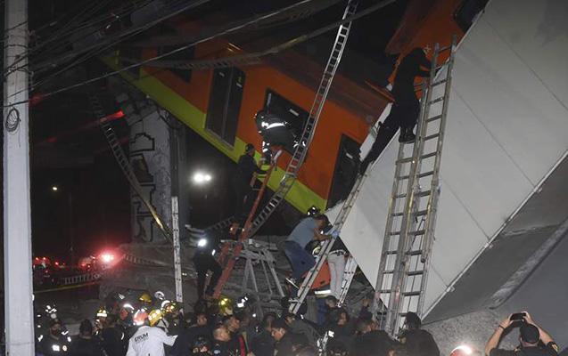 Mexikoda metro körpüsünün çökdüyü anın