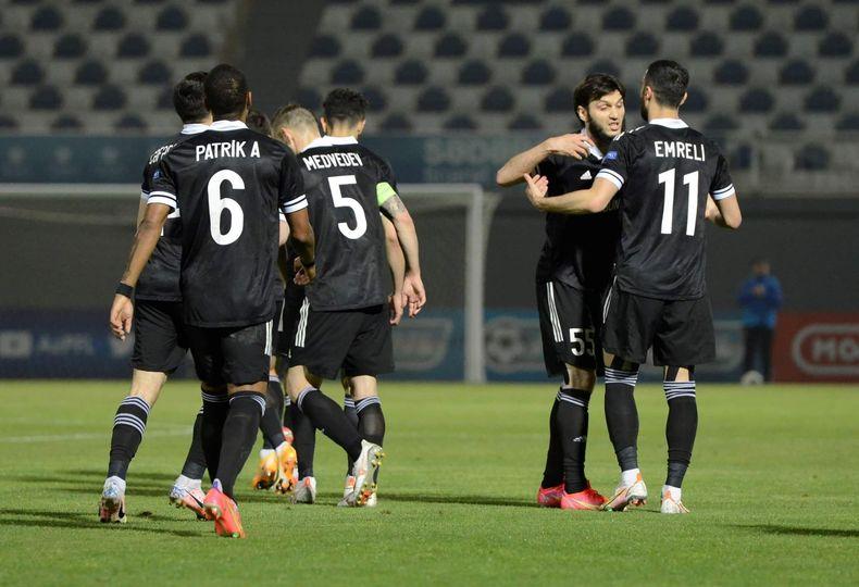 """""""Qarabağ""""  """"Sabah""""a, """"Neftçi"""" """"Sumqayıt""""a qarşı"""