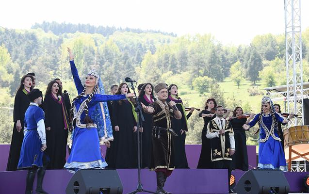 Polad Bülbüloğlu Şuşada ayaqüstə dinlənildi