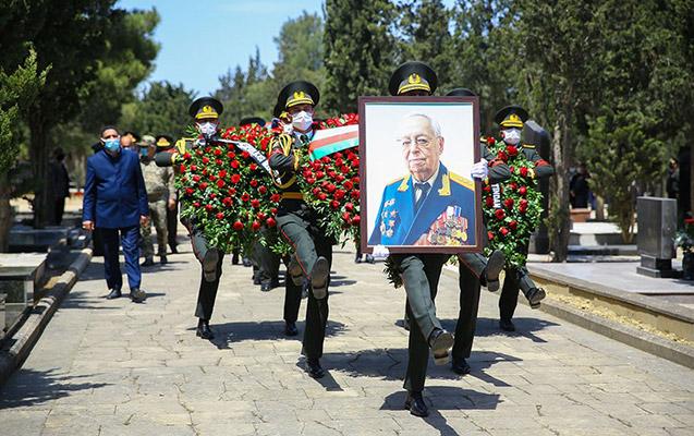 General-polkovnik Tofiq Ağahüseynov dəfn edildi