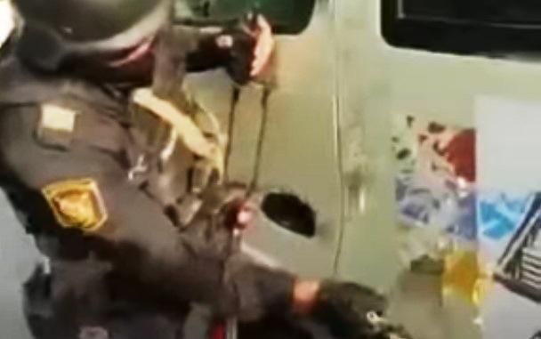 Azərbaycan polisindən ermənilərə süngülü dərs