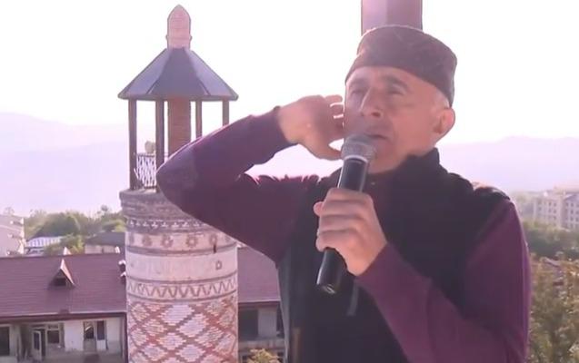 Alim Qasımov Şuşada azan oxudu