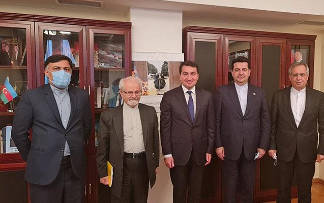 Hikmət Hacıyev İranın xarici işlər nazirinin müavini ilə görüşdü